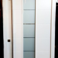 moderna lesena vhodna vrata